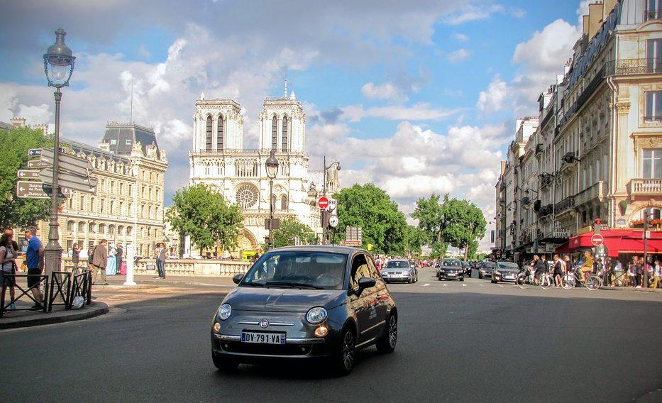 Côte d'Azur met de auto door parijs, milieusticker nodig