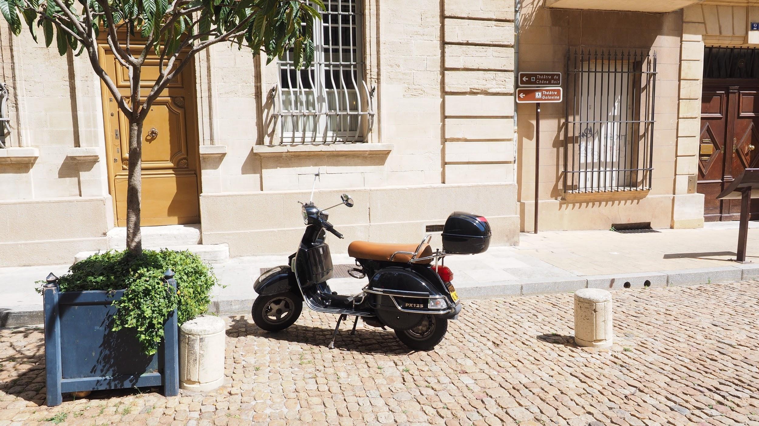 Kustroutes met de scooter, Vespa