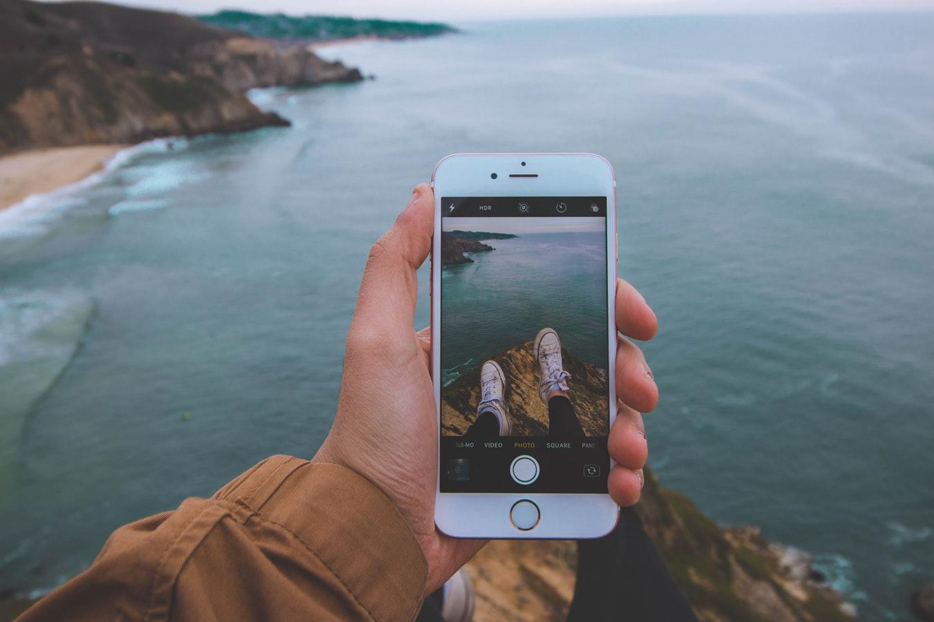 Internetten in het buitenland, foto met telefoon