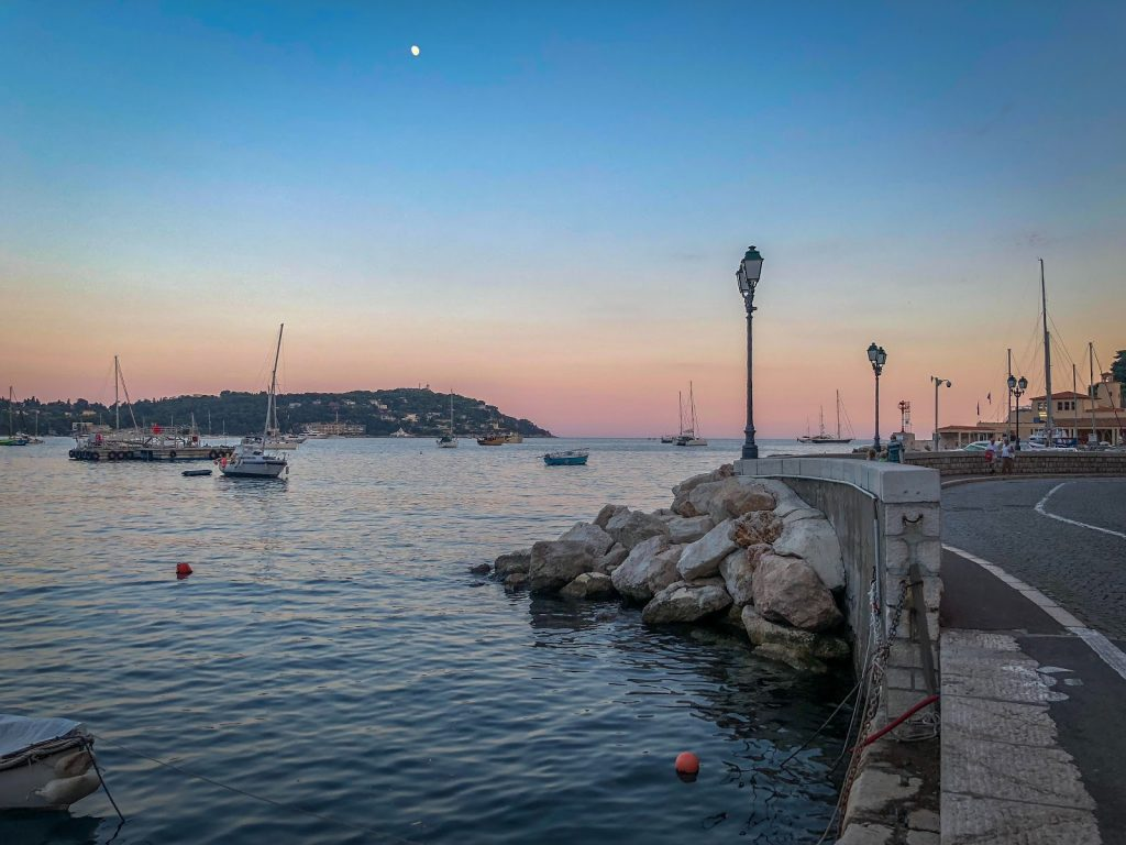 Côte d'Azur zonsondergang strand